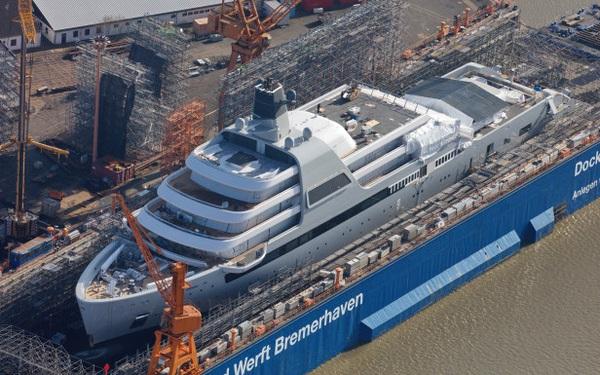 Choáng với hình ảnh đầu tiên về du thuyền 13,6 nghìn tỷ của ông chủ giàu có bậc nhất làng bóng đá