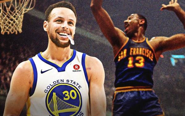 Stephen Curry nhân đôi niềm vui trong ngày vượt qua kỷ lục của Wilt Chamberlain ở Golden State Warriors