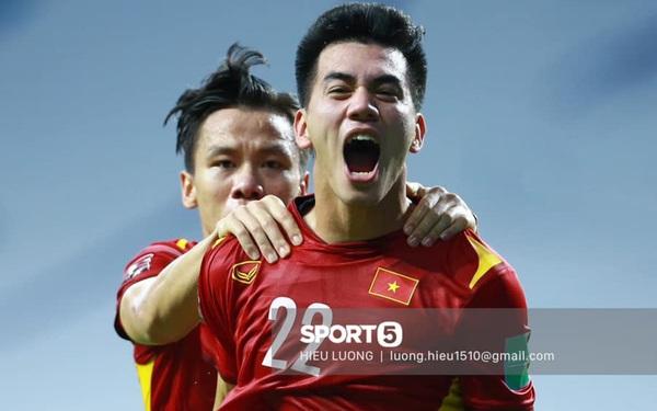 Trực tiếp Việt Nam vs Malaysia: Tiến Linh mở tỷ số
