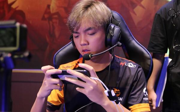 ADC: Từ khả năng cá nhân đến tinh thần thi đấu, cái gì Team Flash cũng hơn ZD Esports